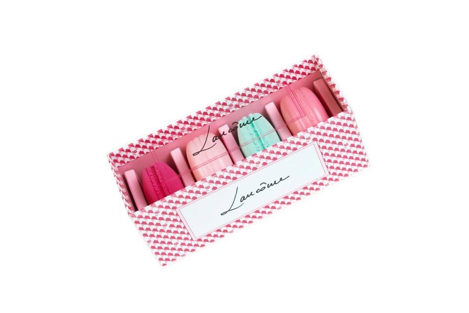 macaron-blush-and-blender