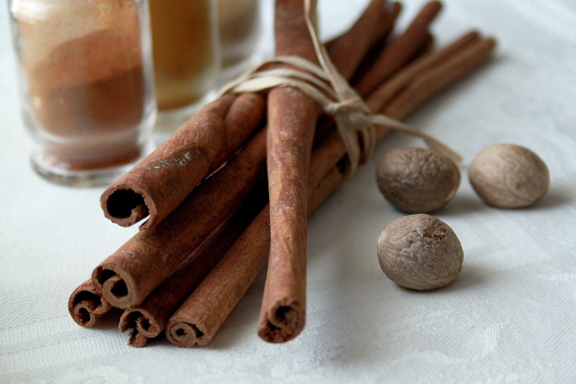 pumpkin spice spices cinnamon nutmeg for pumpkin coconut chocolate chip muffins on www.sugarbananas.com