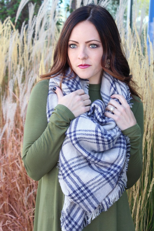 This olive green swing dress is so amazing! I love how comfortable and flattering it is! Pair it with a blanket scarf and some booties and your good to go!