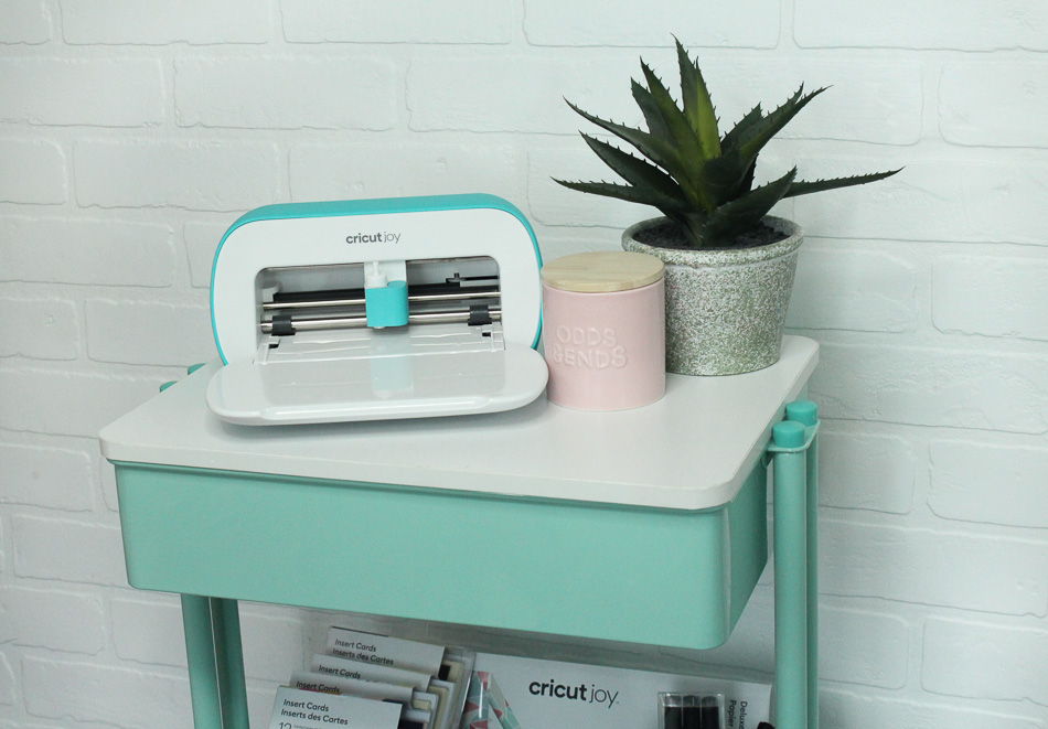 Introducing Cricut Joy featured by Sugarcoated Housewife Craft blogger Utah. What is Cricut Joy learn all about the small cutting machine by Cricut with a DIY card project
