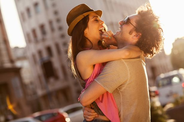 What does pda stand for in dating