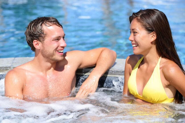 hot-tub-couple-on-a-date