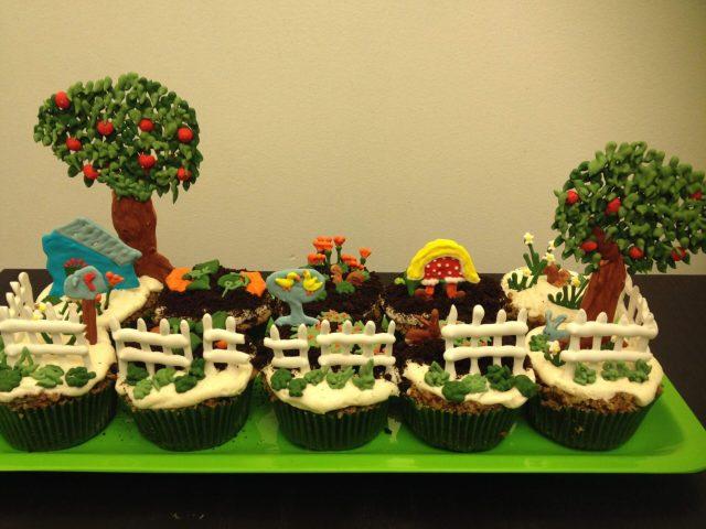 royal icing garden cupcakes