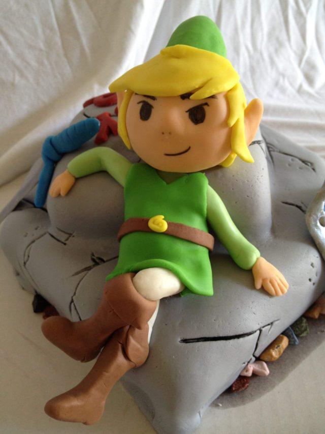 Legend of Zelda link cake fondant