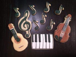 royal icing sugar cookies music treble clef piano guitar violin notes