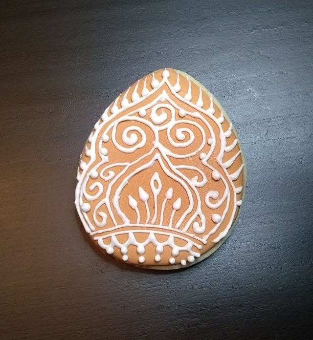 mehndi easter egg cookie