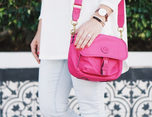 Krista Perez from Sugar Love Chic shares Best Travel Purses to Take on Trips With You