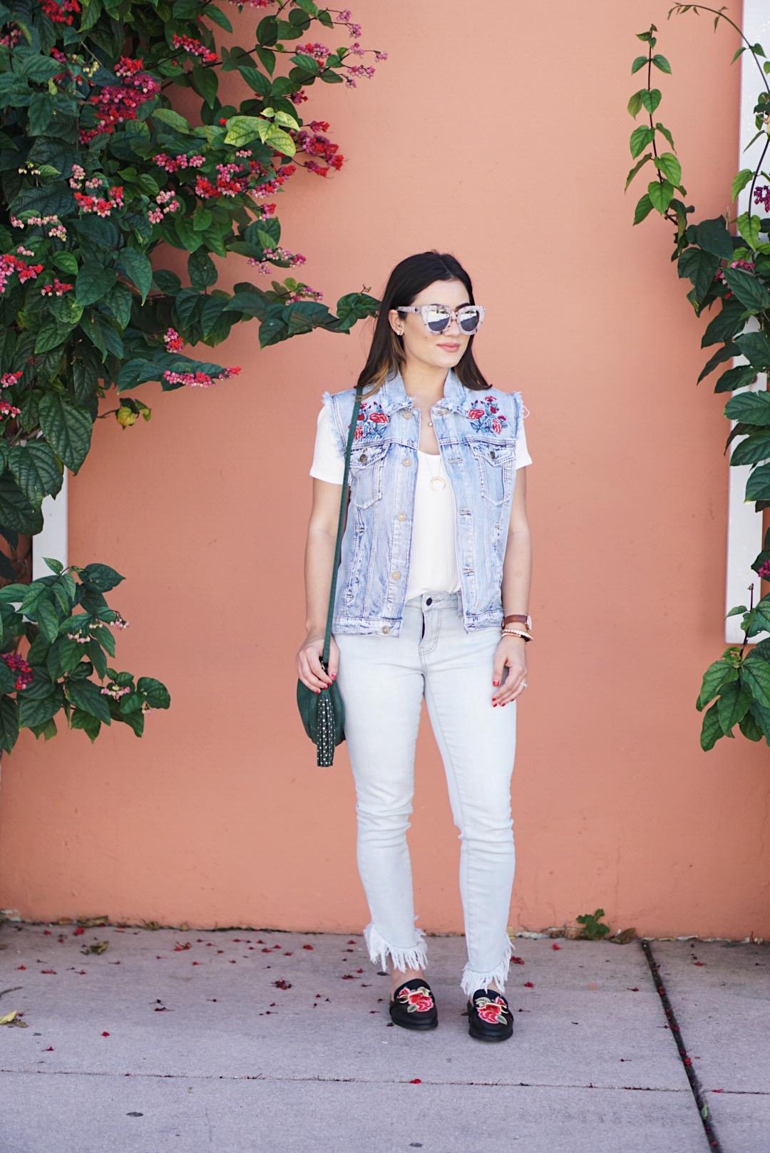 Blogger Krista Perez from Sugar Love Chic styles forever21 denim vest for Spring