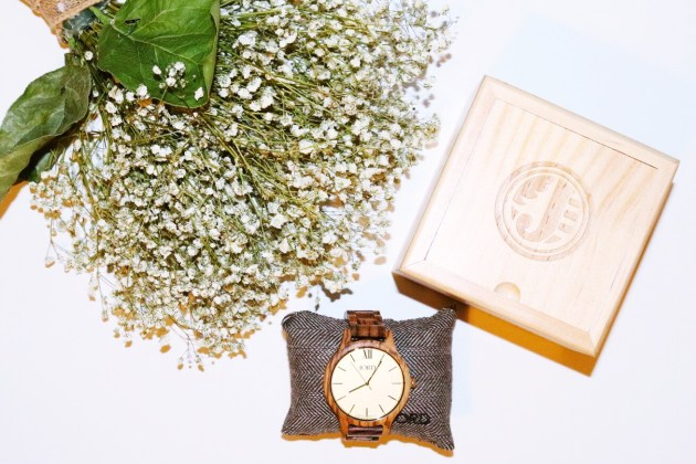 Fun FRIYAY Finds - JORD Wood Watches - The perfect watch for a busy mom!