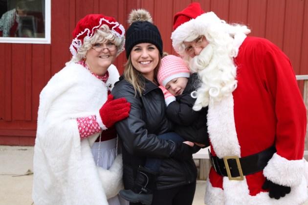 Cut Your Own Christmas Tree - Hanns Christmas Farm Wisconsin