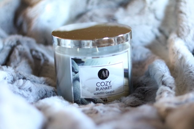 Gift Guide For The Cozy Mom - A&I Cozy Blanket Candle