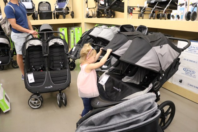 How To Buy The Best Double Stroller - Check out my top reasons why. Baby Jogger X3 Double Jogger