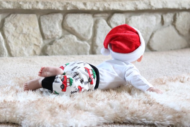 Celebrating Baby's First Christmas As A Nursing Mom + An Announcement - #ForBetterBeginnings #PlaytexMom First Christmas outfit!
