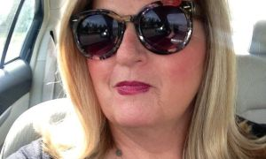 Australian Sugar Mummy Needs A Perfect Man