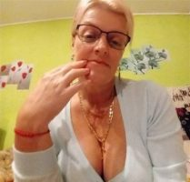 Rich Sugar Mummy, Eva In Texas, USA Is Interested In You – Pick Her Contact Here