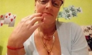 Rich Sugar Mummy, Eva In Texas, USA Is Interested In You