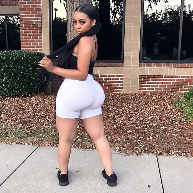 Young Sugar Mama Wants To Video Chat With You