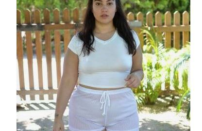 Rich Sugar Mummy Stacey In New Jersey, USA Wants To Meet You