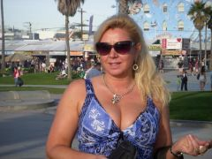 Rich Sugar Mummy In Belgium Online Now Available - Chat With Her HERE