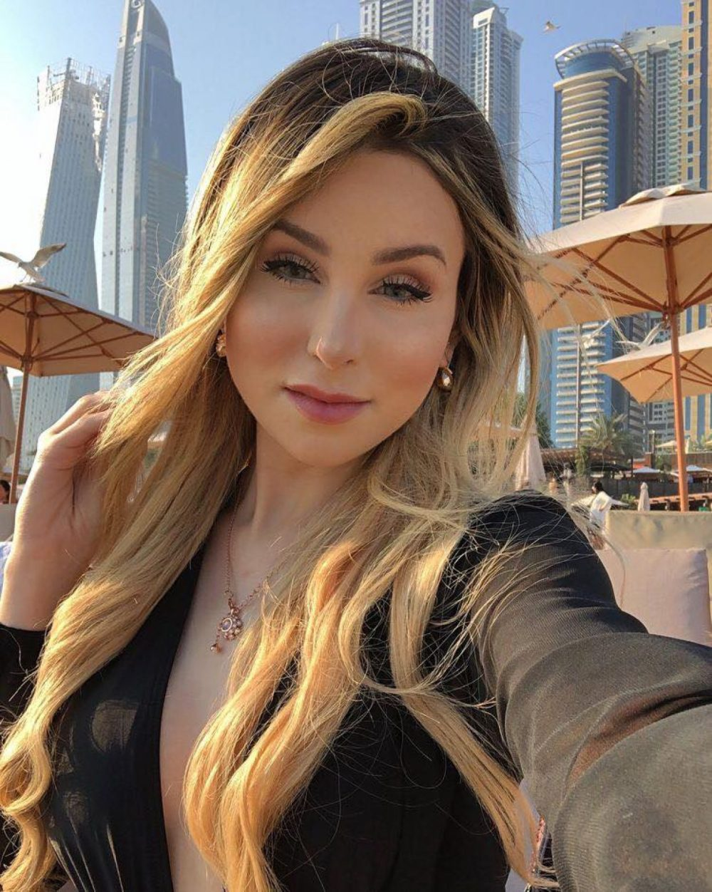 This Sugar Mommy In USA Wants To Spoil You With Money
