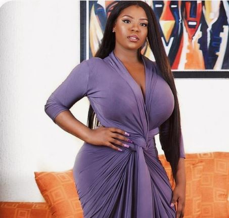 Rich South African Sugar Mummy Is Interested In You