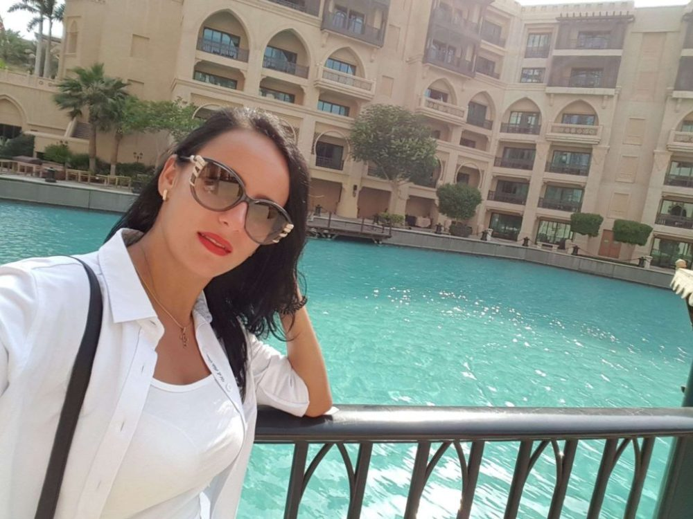 Rich Sugar Momma Wants To Call You On Whatsapp Video Call