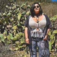 This Rich Sugar Mummy Cheryl In USA Is Looking For A Lover – Click To Chat With Her Online