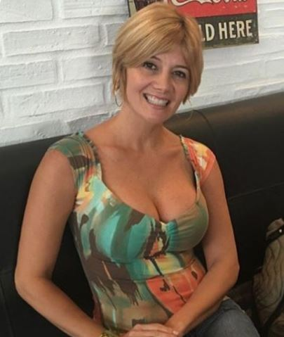 This Sugar Mummy From California, USA Wants To Connect With You