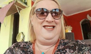 Rich Sugar Mommy In Chicago, IL, USA Wants To Add You On WhatsApp