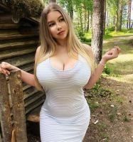This Rich USA Sugar Mommy Wants To Add You On WhatsApp - Are You Online?