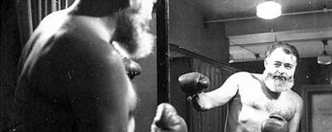 I ruggenti anni '20 ovvero quando Ernest Hemingway boxava sul ring a Parigi contro Morley Callaghan e Scott Fitzgerald cronometrava.