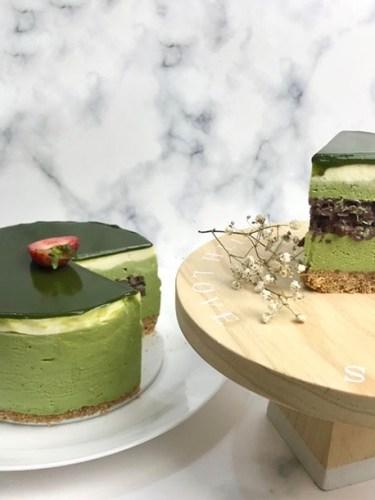Matcha No-Bake Cheesecake with Red Bean