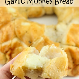Mozzarella Stuffed Garlic Monkey Bread
