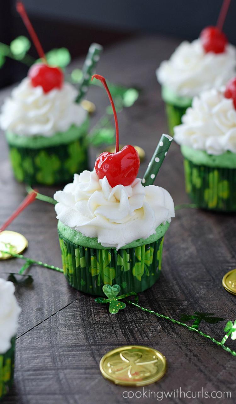 Boozy-Shamrock-Shake-Cupcakes
