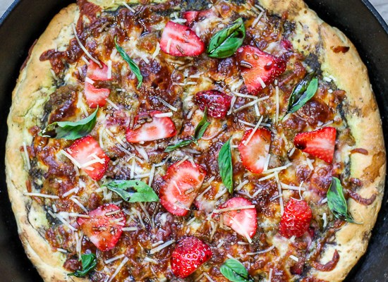 Strawberry Pesto Skillet Pizza