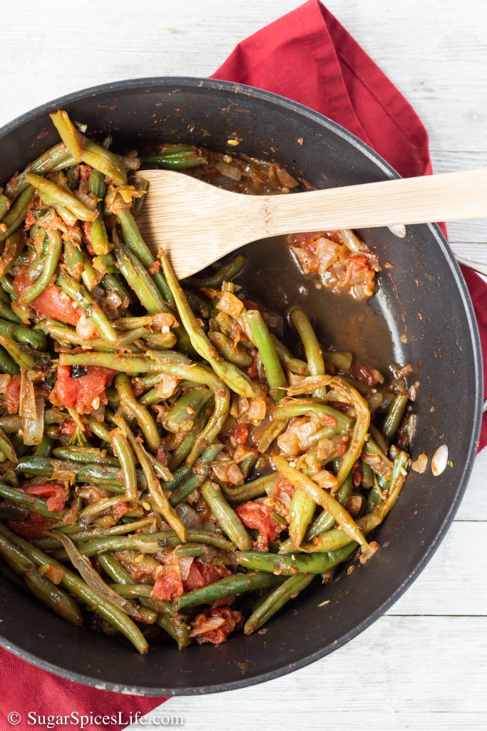 These Italian Green Beans are a savory, delicious, easy to make side for almost any dinner. Even the pickiest of green bean eaters can enjoy these!