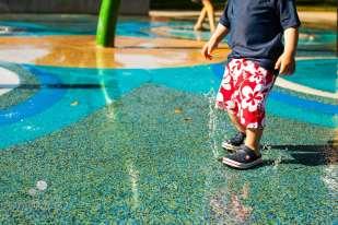 SugaShoc_Photography_Children_Photographer_Bucks County_Doylestown_PA_samuel_child_feet_water_play