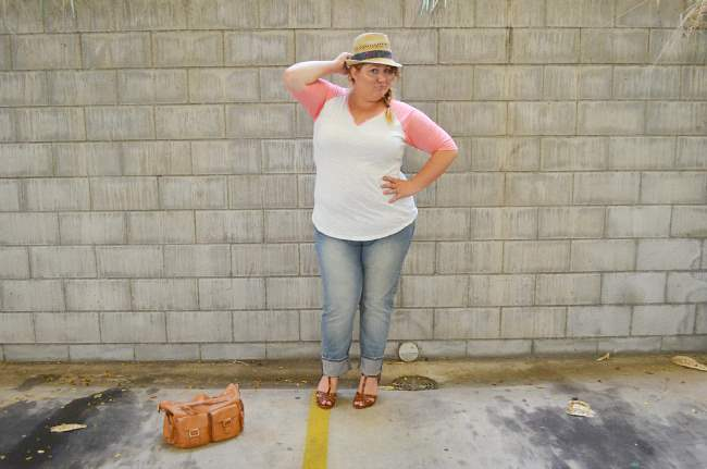 plus size baseball tee with jeans 007