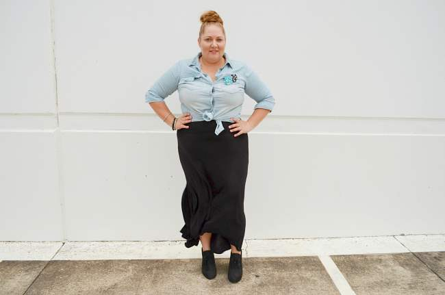 plus size chambray shirt with black maxi 002