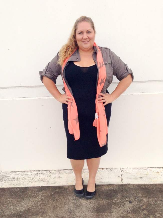 plus size body con outfit with scarf 002