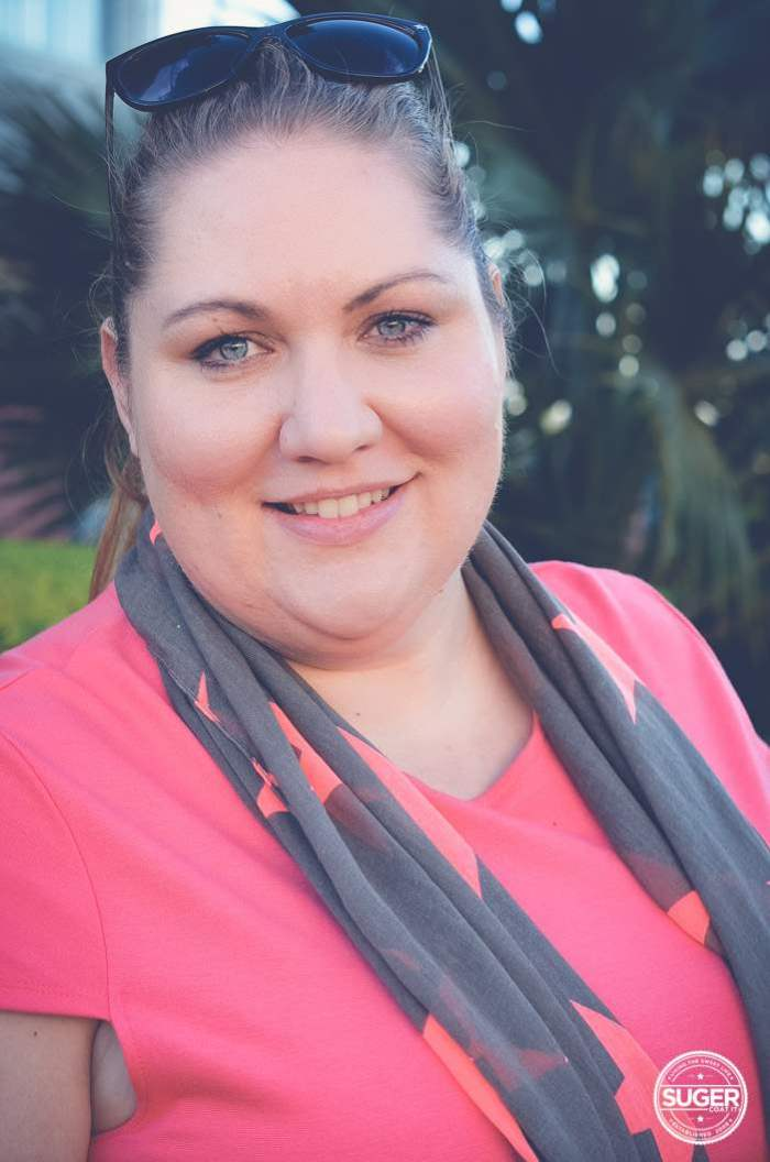 a plus size weekend outfit jeans and scarf-2