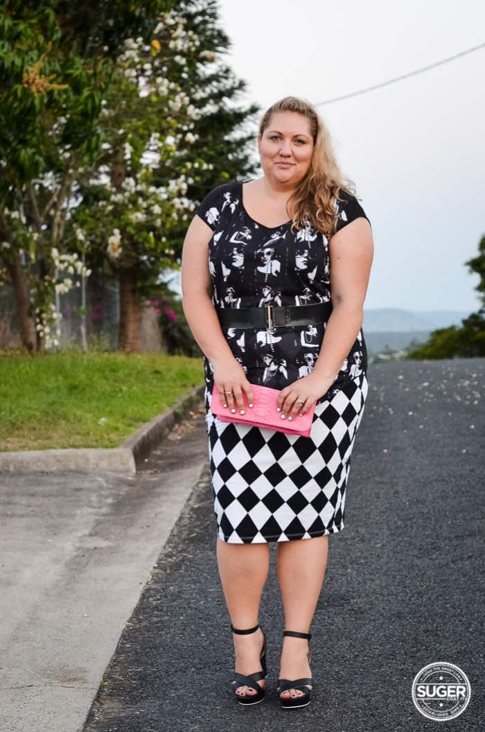 plus size monochrome pattern clash outfit-2