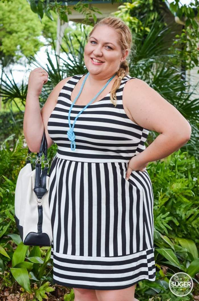 plus size stripe dress sunday brunch outfit-9