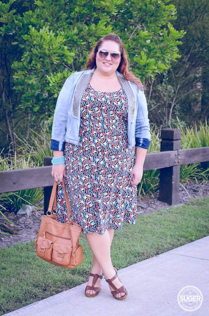 plus size casual dress with denim jacket outfit-2