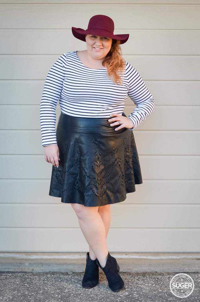 plus size stripe jumper + leather skirt + felt hat-2