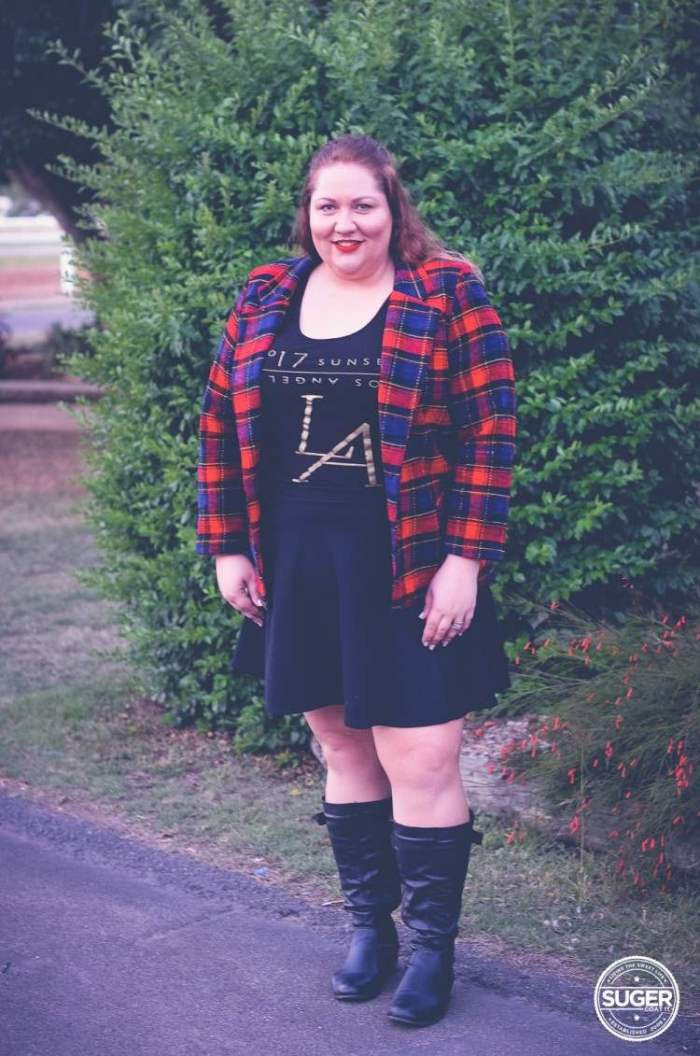 plus size plaid jacket outfit 17 sundays tee-5