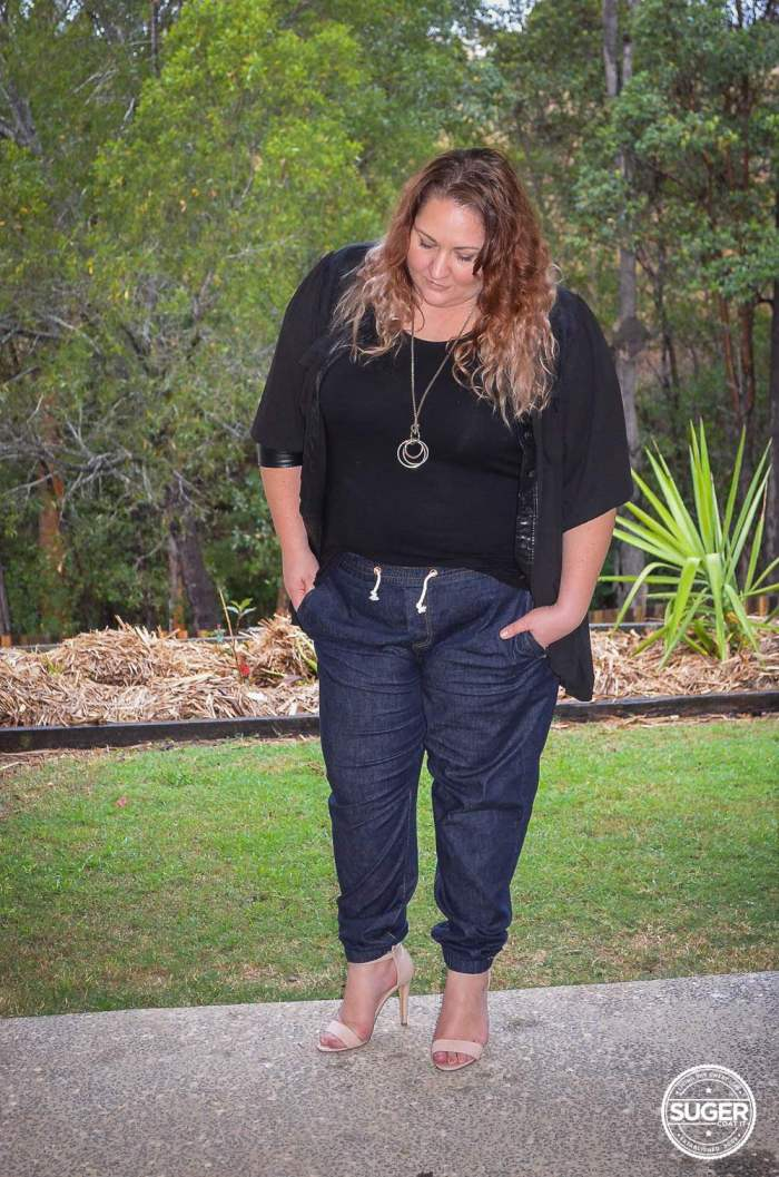 slouch jogger plus size outfit with heels-6