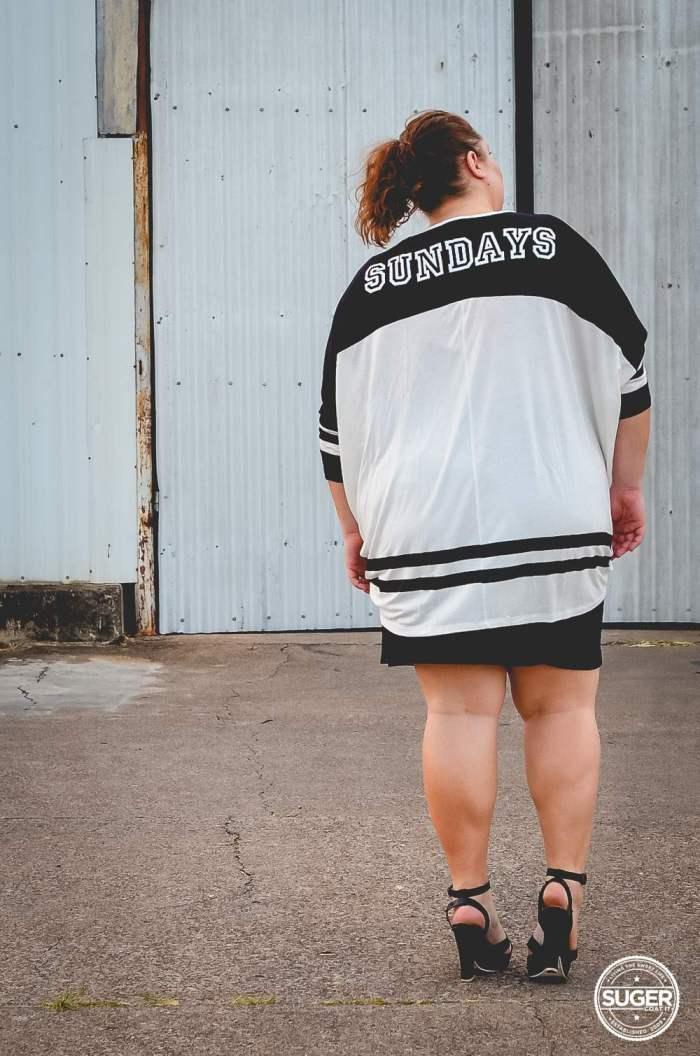 plus size oversized varisty tee outfit 17 sundays-3
