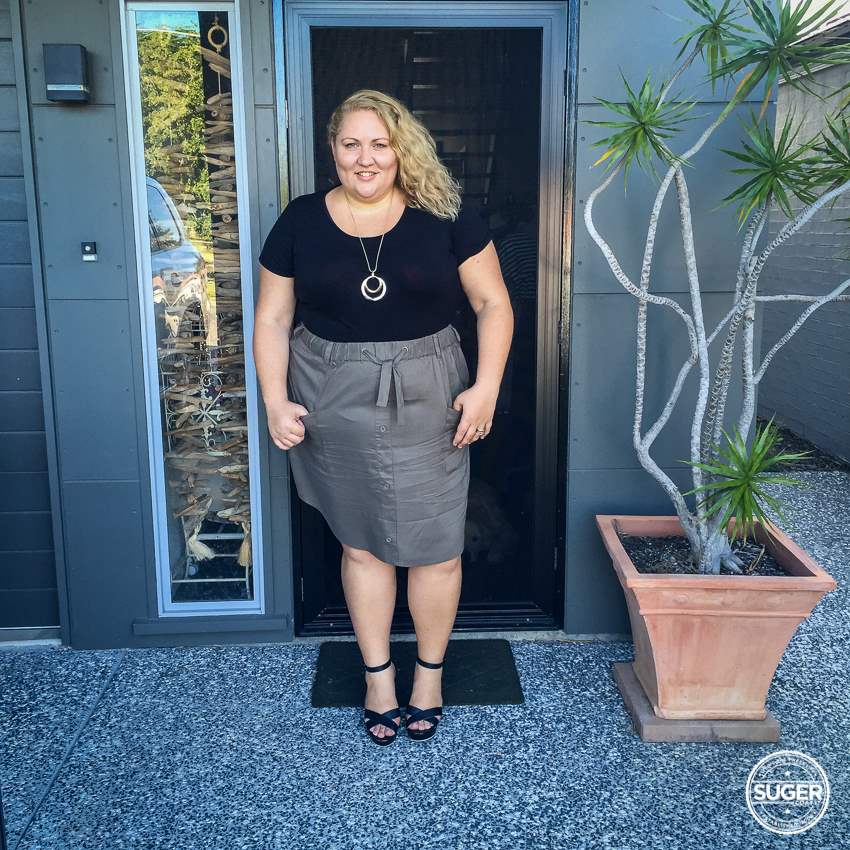 17 sundays cargo skirt plus size dressy casual outfit-4