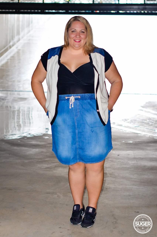 casual plus size denim skirt outfit 17 sundays-2
